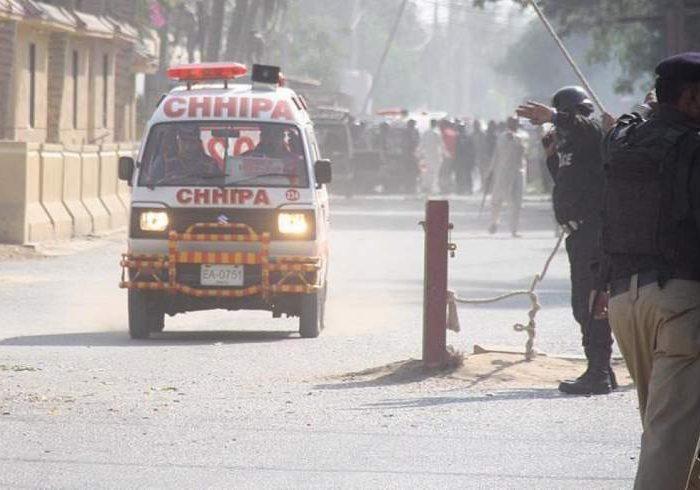 حمله مسلحانه به بازار بورس کراچی در پاکستان