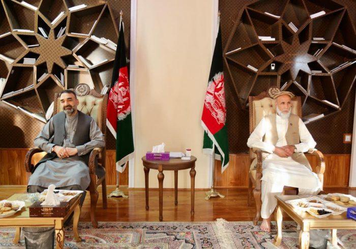 دیدار سترجنرال استاد عطامحمد نور رئیس شورای اجرایی جمعیت اسلامی با الله گل مجاهد نماینده مردمکابل در ولسی جرگه