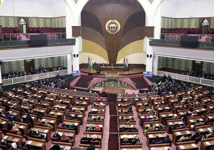 حدود ۷۰ درصد نمایندگان مجلس افغانستان به کرونا مبتلا شده اند
