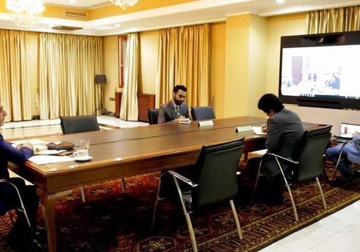 غنی و عبدالله با خلیلزاد درباره شروع مذاکرات بینالافغانی گفتگو کردند