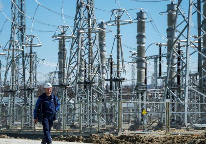 تاجیکستان صادرات برق به افغانستان را کاهش داد