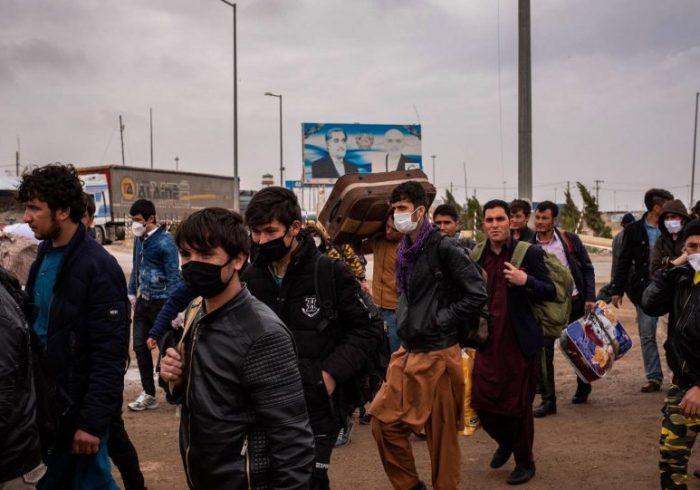 در شش ماه پسین بیش از ۴۰۰ هزار مهاجر وارد افغانستان شدهاند