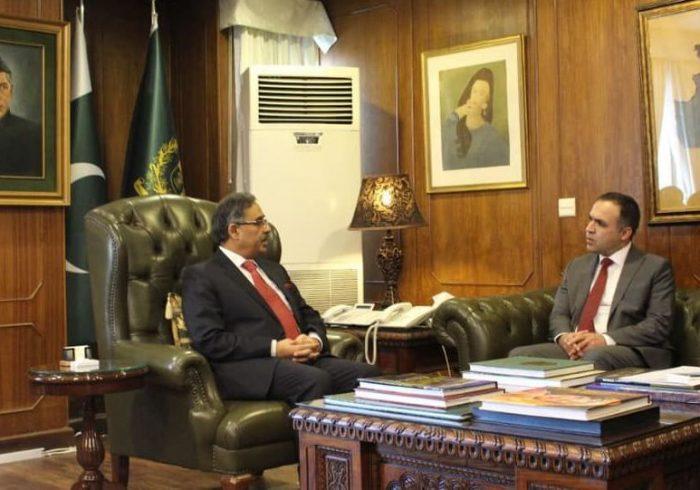 سفیر افغانستان در پاکستان استعفا داد