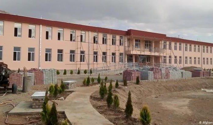ساخت مکتب جدید در کابل؛ یاد بود از روگر ویلیمسن
