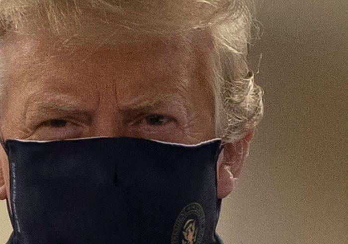 دونالد ترامپ سرانجام ماسک زد