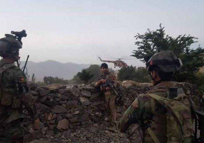 یک فرمانده پولیس در یورش طالبان بر یک پاسگاه در تخار جان باخت