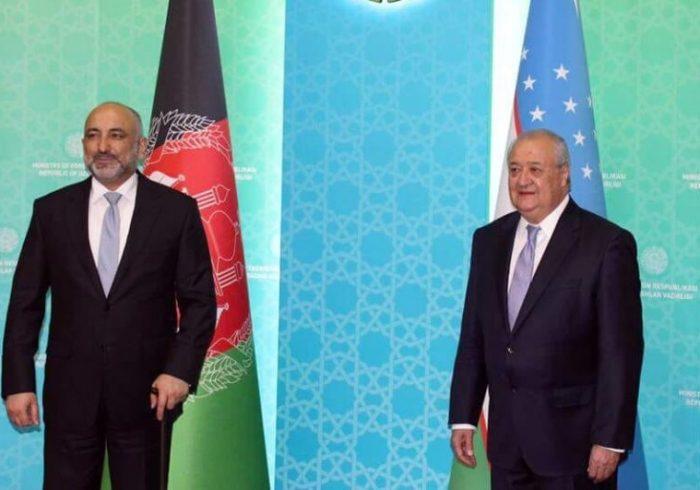 افغانستان و ازبیکستان روی امضای قرارداد انتقال برق توافق کردند