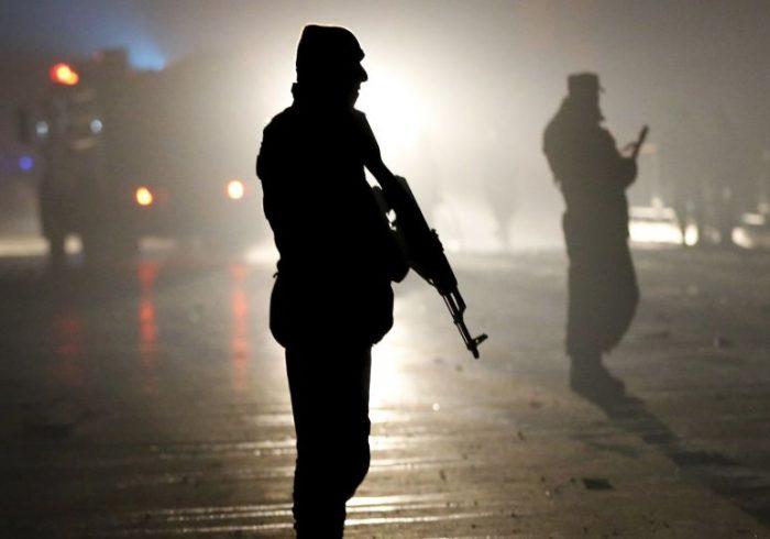 بازداشت یک پولیس که سه همکارش را تیرباران کرده بود