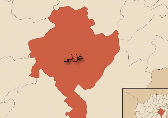 کشته و زخمی ۲۳ تن در حمله موتر بمب به کندک محافظت عامه در غزنی