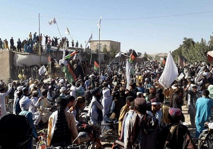 دولت افغانستان طالبان را به نقض آتشبس متهم میکند
