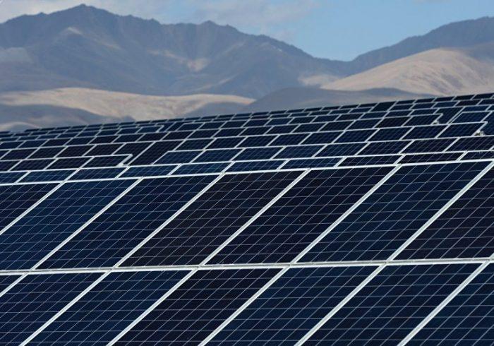 سرمایهگذاری امارات متحده عربی در تولید برق آفتابی در افغانستان