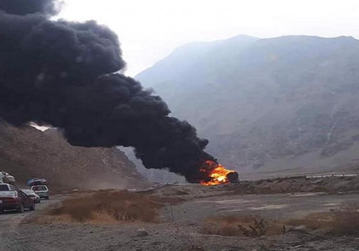 حمله طالبان بر شاهراه بغلان – سمنگان و آتش زدن دو تانکر تیل