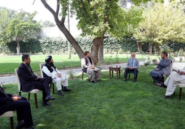 عبدالله با سیاسیونی که نامشان در فهرست سیاه طالبان درج شده دیدار کرد