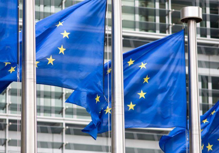 درخواست اتحادیه اروپا: دولت افغانستان و طالبان هرچه زودتر مذاکرات را آغاز کنند