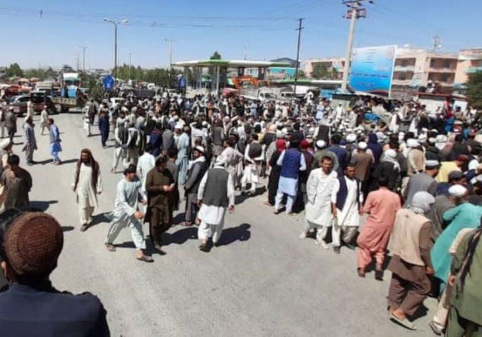 شاهراه کابل – قندهار به روی ترافیک باز شد
