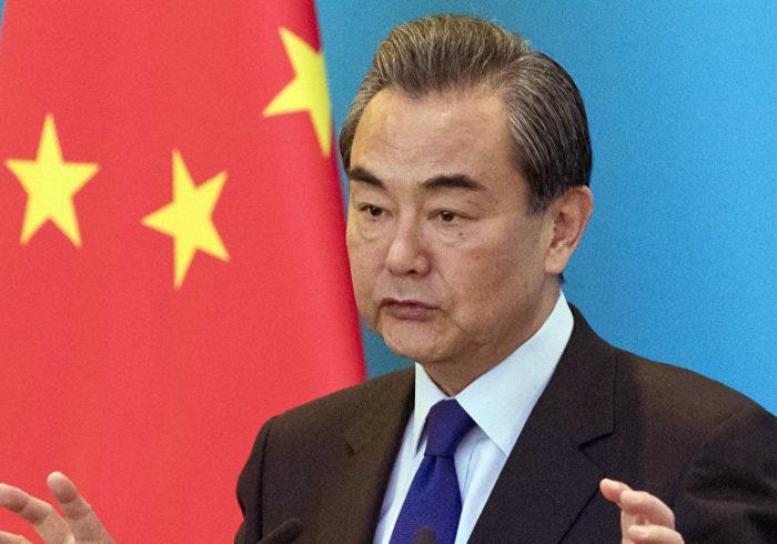 وزیر خارجه چین خواستار خروج «مسوولانه» نیروهای خارجی از افغانستان شد