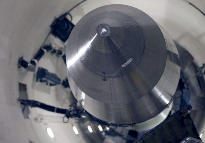 دستیابی اسرائیل به سلاح هسته ای