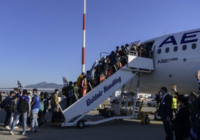 توافق جرمنی بر پذیرش ۱،۵۵۳ مهاجر از ۵ جزیره یونان