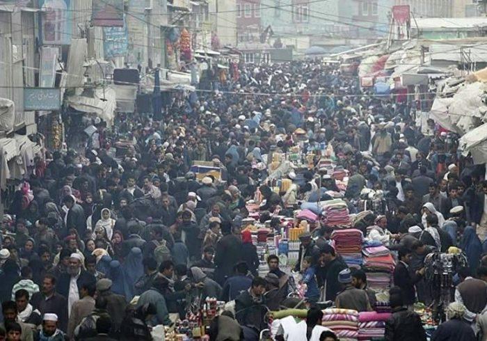 فعالیت دست فروشان در جادههای افغانستان قانونمند می شود