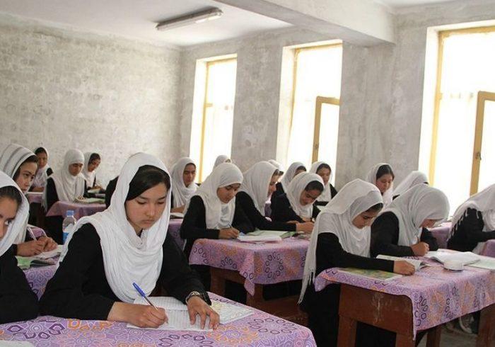 وزارت صحت: با گشایش دانشگاهها و مکاتب، رقم مبتلایان به کرونا ۴ درصد افزایش یافته است