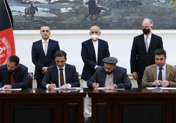 قرارداد چهار پروژۀ ۱۶۰ میلیون دالری تولید انرژی برای افغانستان امضا شد