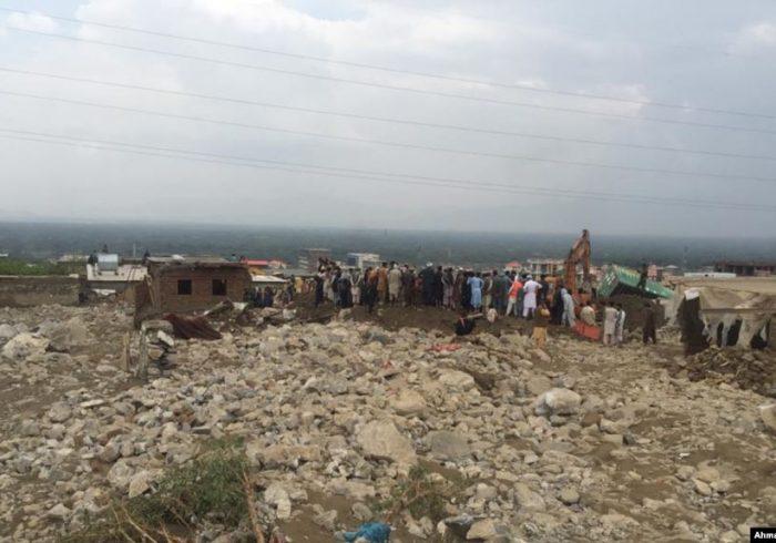 به هزاران سیلابزده در افغانستان مواد غذایی توزیع شد