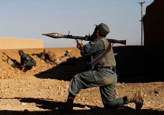 حمله طالبان در نیمروز؛ سقوط یک پاسگاه و کشتهشدن ۴ پولیس