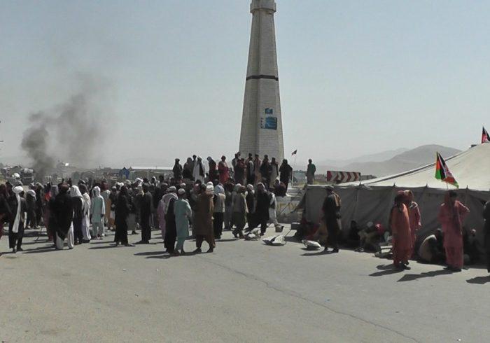اعتراض مردم به کاروان حامیان احمدشاه مسعود در غزنی به خشونت کشیده شد