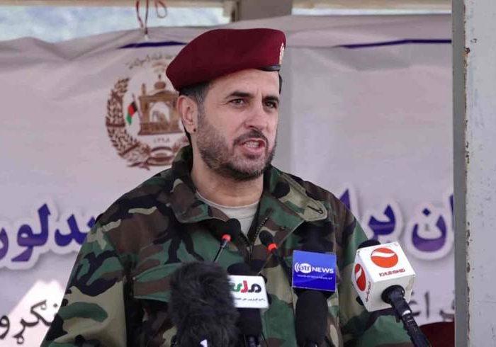 وزیر دفاع: همزمان با آغاز گفتگوهای صلح جنگ از سوی طالبان افزایش یافته است