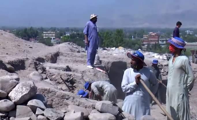 کندنکاری در تپه «سبزآباد» ننگرهار؛ یک زندان دوره بودیسم با قدامت ۲۵۰۰ ساله کشف شد