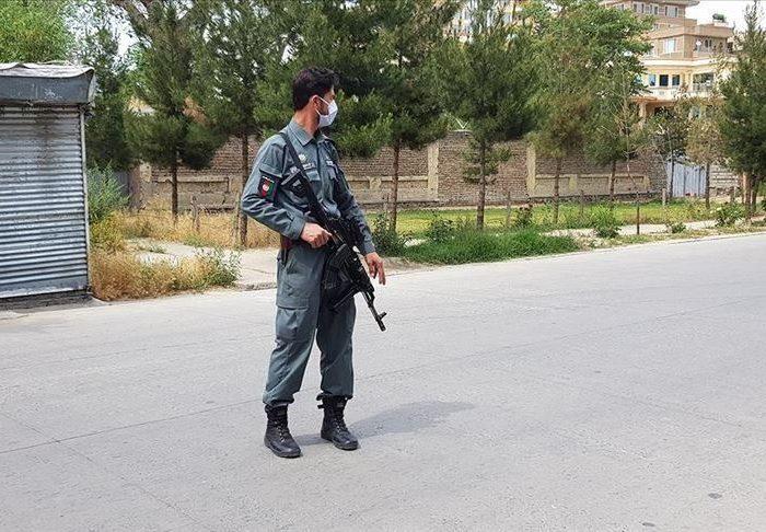 انفجار مین کنار جادهای در ارزگان افغانستان جان یک غیرنظامی را گرفت