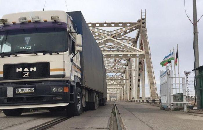 کرونا؛ گذرگاه مرزی میان افغانستان و ازبکستان بعد از هشت ماه باز شد