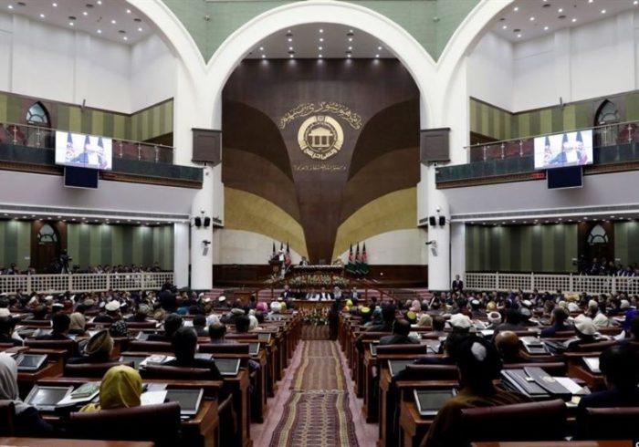 پارلمان خواستار قطع روابط دیپلماتیک با فرانسه شد