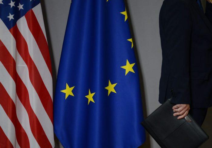 اتحادیه اروپا و آمریکا از طالبان خواستار پایان خشونت در هلمند شدند
