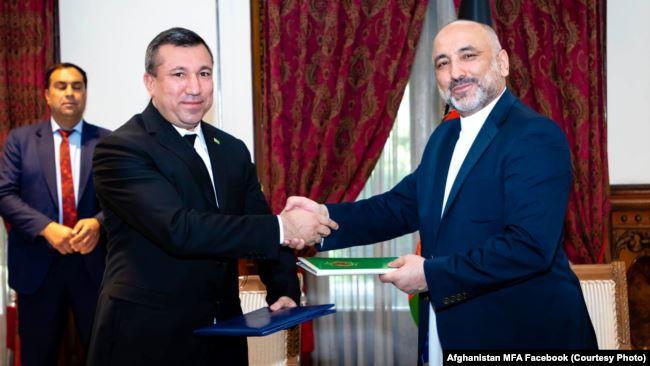 اسناد معاهدۀ مشارکت استراتژیک میان مقامهای افغانستان و ترکمنستان تبادله شد