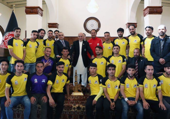 دیدار رئیس جمهورغنی با قهرمانان لیگ برتر مردان و زنان