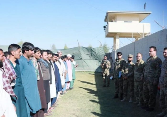 پیوستن صدها جوان هلمندی به نیروهای پولیس برای سرکوب طالبان