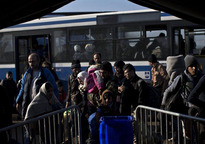 برخورد بسیار بد پولیس کرواسیا با مهاجرین
