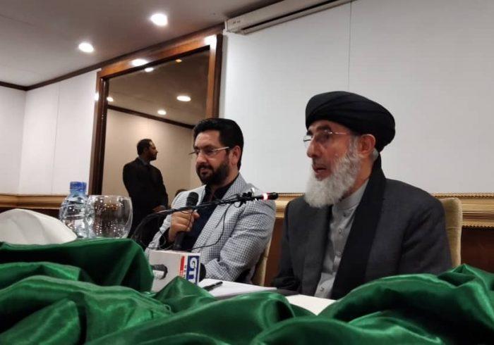 پاکستان حامی صلح و حکومت افغانستان خواهان ادامه جنگ است