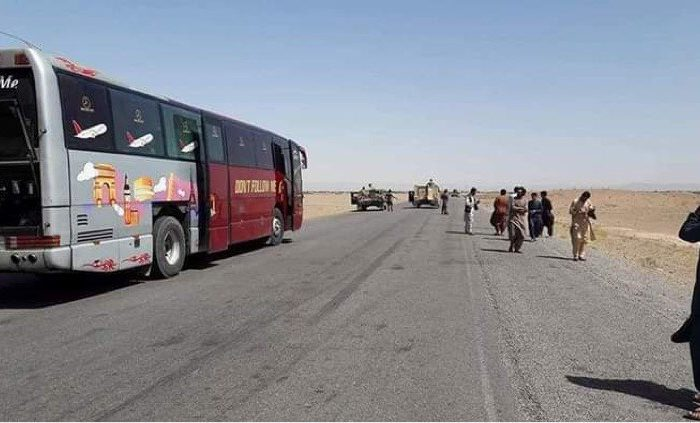 برخورد موتر بس مسافربری با ماین در هرات دو کشته و ۱۱ زخمی برجای گذاشت