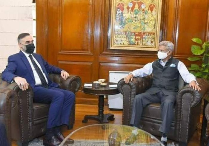 استاد عطامحمد نور با وزیر خارجه هند دیدار کرد