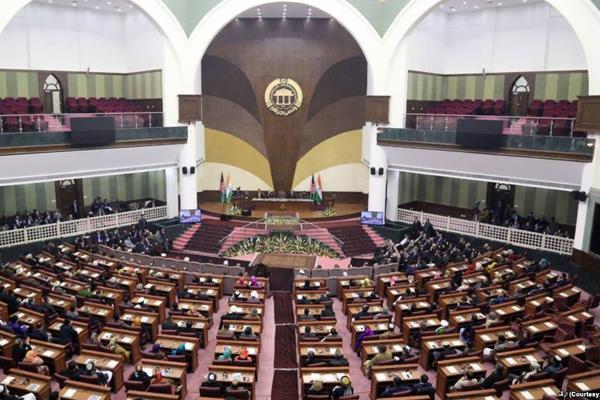 مجلس، صالح و مسئولان امنیتی را فراخواند