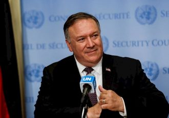 پمپئو: امریکا ۵ میلیون دالر به قربانیان درگیری جنگ قرهباغ کمک میکند