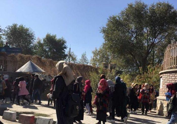 سه کشور پرچمهایشان را در کابل به حالت نیمهبرفراشته درآوردند
