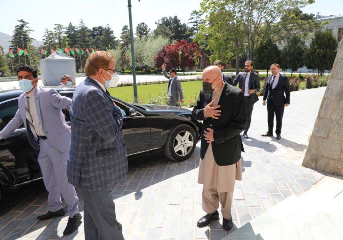 نماینده ویژه پاکستان برای افغانستان با همتای افغان خود دیدار کرد