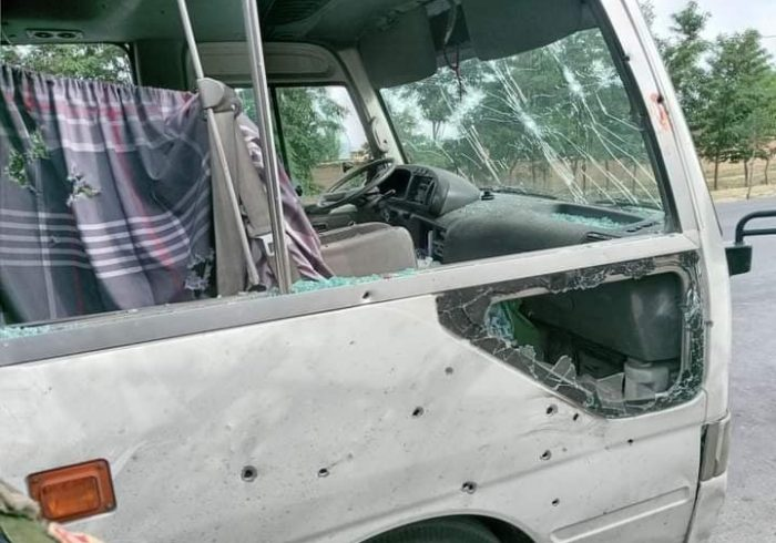 موتر حامل کارمندان و استادان دانشگاه البیرونی هدف انفجار ماین قرار گرفت