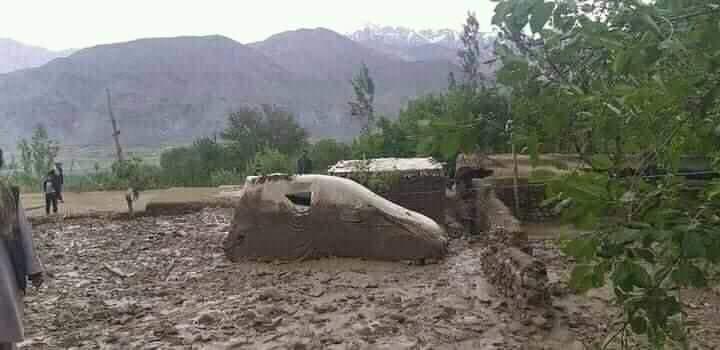 دستکم ۵۶ نفر در اثر جاری سیلاب درکشور جان باخته اند
