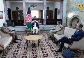 رییس جمهور غنی با رییسان ستاد ارتش بریتانیا و پاکستان دیدار کرد