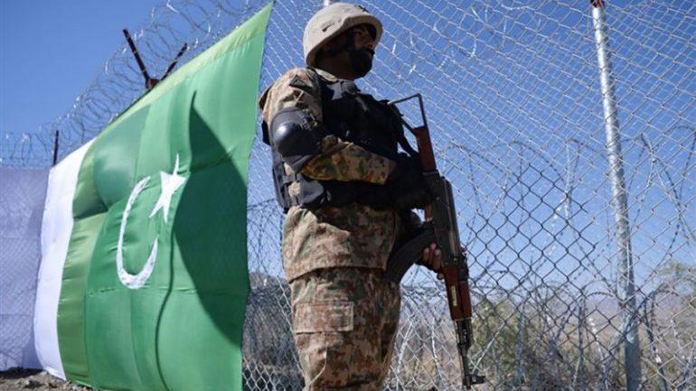 چهار سرباز پاکستانی در حملهی مسلحانه از خاک افغانستان کشته شدند