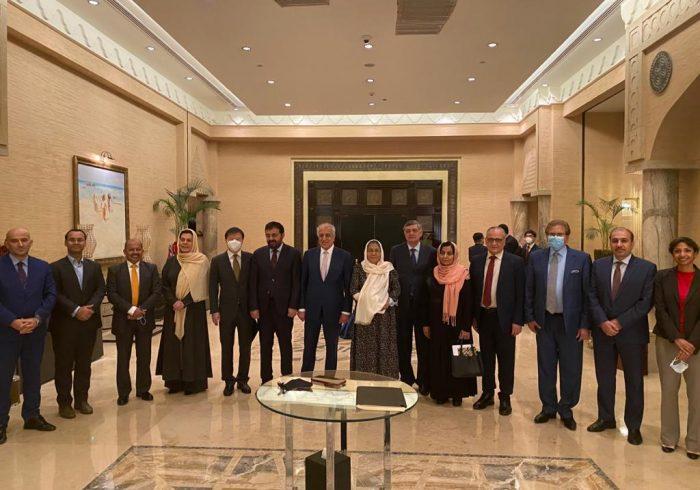 """نمایندگان ویژۀ کشورهای عضو """"تروئیکا"""" با هیأتهای مذاکراتی دولت وطالبان دیدار کردند"""